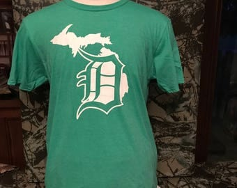 Detroit D green Short Sleeve Shirt