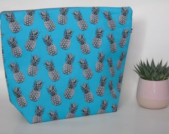 Very large case Blue pineapple