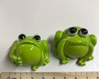 Set of 2 Tiny Frogs