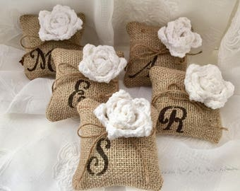 Flower mini pillows, Bridesmaids Gift, Monogram Mini Pillow, *White* Burlap pillow, 1 or Set of 3,4,5,Wedding Decor,Favor, white wedding