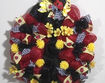 Ladybug wreath | ladybug | front door wreath | spring wreath | spring decor | red | black | floral wreath | kitchen decor | sunroom decor