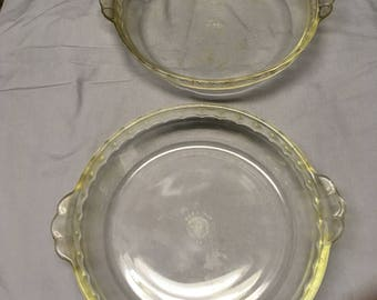 "Vintage 9"" Pyrex Pie Dishes"