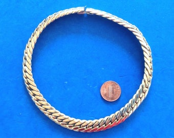 """Vintage! 13.5"""" choker necklace in thick link 1/2"""" wide. Small & solid vintage piece!"""