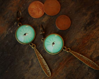 """""""Eye"""" earrings"""