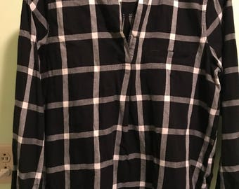 Old Navy Ladies long sleeve pull over blouse