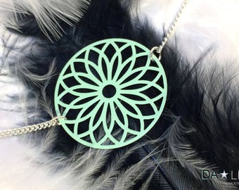 "Necklace ""Rosace"", minty Green"