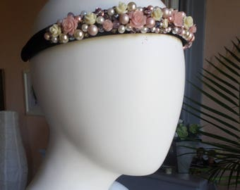 Embroidered powder baroque headband