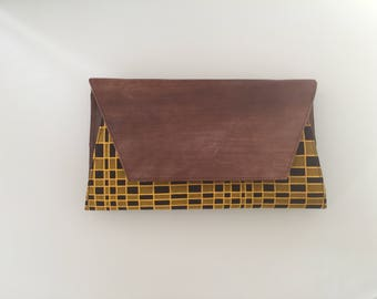 Wax and leather bag
