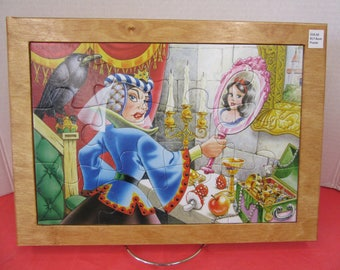 Snow White/Evil Queen Wood Framed Puzzle