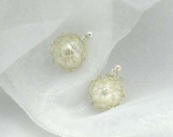 Pearl earrings in 999 silver Net-earrings with pearl 10 mm-