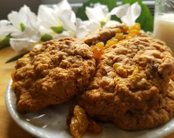 Scrumptious Oatmeal Raisin Cookies
