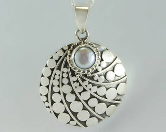 925 sterling silver freshwater pearl round dome dot motif pendant