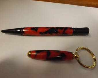 Valentines day gift for him Black Enamel Executive Twist Pen with 24 K Gold Key Chain