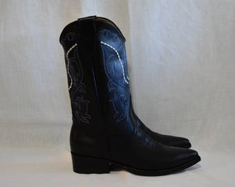 Black Western Cowboy boot. Leather Hand Made.