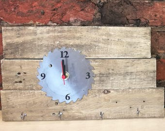 SMALL SAWBLADE CLOCK