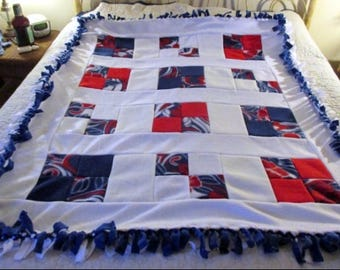 "Red, White & Blue Floral Fleece Blanket - 57"" x 45"""