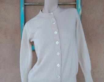Vintage 1960s Cardigan Sweater Tan White Lambs Wool B36