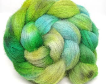Light Grey Shetland Hand Dyed Roving Combed Wool Top 100g GS02