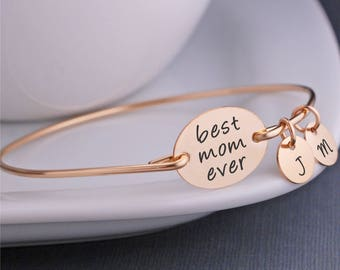 Gold Best Mom Ever Bracelet, Personalized Mother's Jewelry, Gold Mother's Bracelet, Christmas Gift for Mom, Bangle Bracelet for Wife