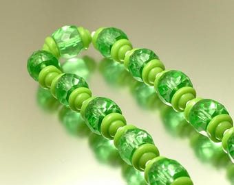 Vintage/ estate 1950s crystal glass / art glass green bead beaded beads costume necklace - jewelry jewellery UK seller - end of day
