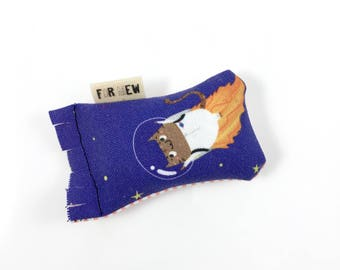 Space Cat Astrocat Green Bean Organic Eco Friendly Catnip Cat Toy For Mew, Gift For Cat Lover