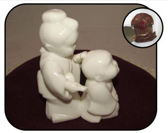 Vintage Thin White Porcelain Figurine of Japanese Mom Combing Childs Hair by Lenwile China, Ardalt, Verithin, 50s, Asian figure