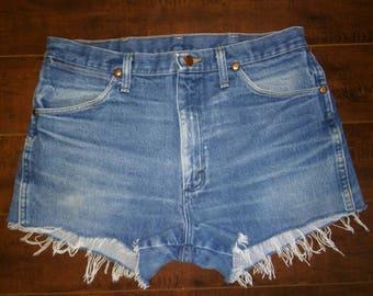 Wrangler Shorts, Wranglers Jean cut off shorts, cutoffs Jean Shorts   W 33 waist