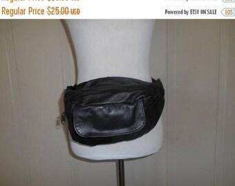 SALE 25% off SALE Vintage 80s 90s black leather Fanny Pack Purse Belt Hip Bag