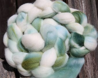 Kettle Dyed Falkland Wool Top.  Soft and easy to spin. 4oz  Braid. Spin. Felt. Roving. F176