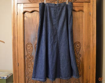 "VTG Blue Jean Skirt size 14 ,waist up to 32"",Made in the USA ,Elastic Back,Great condition,Flared Bottom 70's 80's"