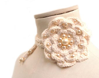 Crochet lariat necklace with big flower, white cotton and pearls - FULL BLOOM