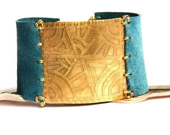 Etched Tribal Brass and Blue Leather Bracelet (B1347)