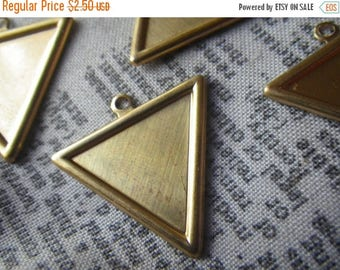 SALE 30% Off Brass Triangle 23mm Charm Pendants with 20mm Settings 6 Pcs
