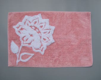 Pink Chenille Bath Mat with White Flower Vintage Chenille Bathroom Rug Soft & Plush 29.5 inches x 19.5 inches 100% Cotton