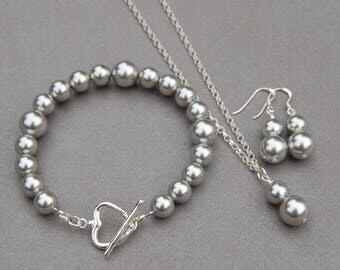 Silver Pearl Jewelry Set, Bridesmaid Gifts, Mother of the Bride Jewelry, Bracelet Necklace and Earrings Set, Classic Pearl Jewelry