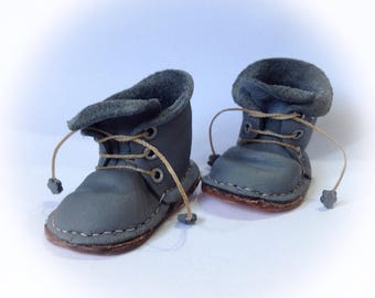"""NEW ..Sasha """"lost boy """" grey lace up leather  boots"""