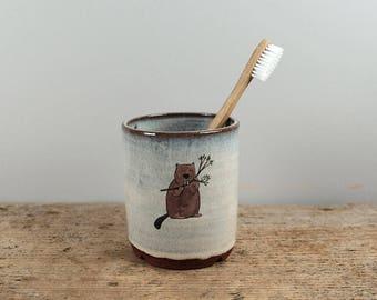 Beaver Toothbrush Pot