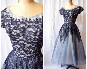 """Madame Lowes   Vintage 1950's Party Dress Midnight Lace Layered Tulle 50s Prom Dress Bateau Neck Periwinkle 50s Formal Gown 25"""" Waist Sz.S"""