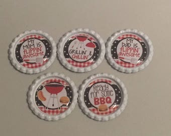 Summer BBQ Flippin Awesome Sayings Finished Bottle Caps and Mini bows 5pc Set Bowmaking Bowmakers Crafts Bow Centers Clips Necklace