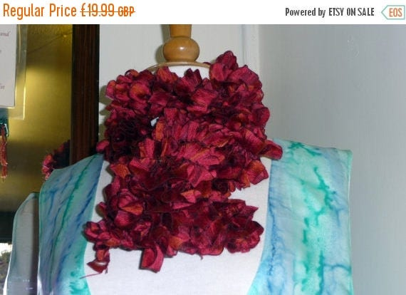 Christmas In July Handknitted Ruffles Scarf in Red and Rust