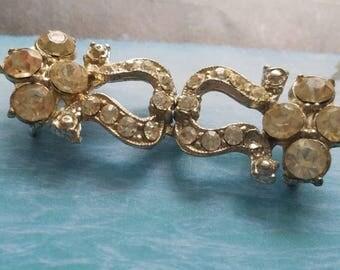 Vintage, 1 stunning rhinestone embellished interlocking closure belt buckle, metal, Bridal (June 209 17)