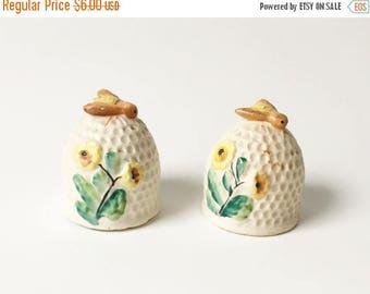 SALE Bee hive Salt and Pepper Shakers Honeybee Salt shakers Japan 1960s