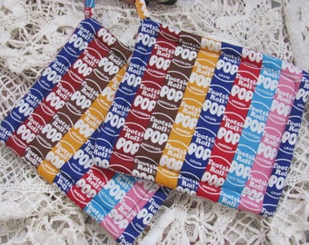 Pair  Potholders  Tootsi Roll Pops all over  Fabric  2 Cotton Pot Holders / Trivets