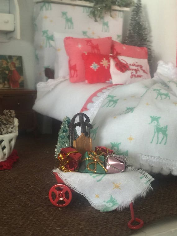 Dollhouse Christmas Wagon and Christmas Accessories -1:12 scale