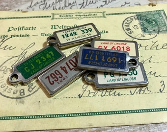 Keychain Miniature LICENSE PLATE Lot Disabled American Veteran- Illinois- Land of Lincoln 1950's & 1960's- Jewelry Supply- A56