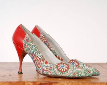 50% CLEARANCE Vintage 1950s Shoes - The Temptation Heels - Gorgeous I.Miller Printed Stiletto High Heels in Red Leather and Multi-color Pais