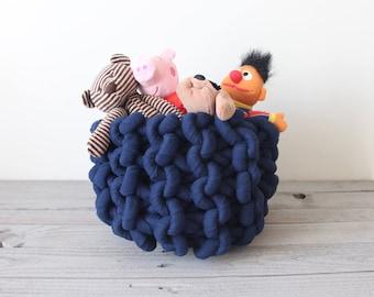 Giant knit rope basket - medium size