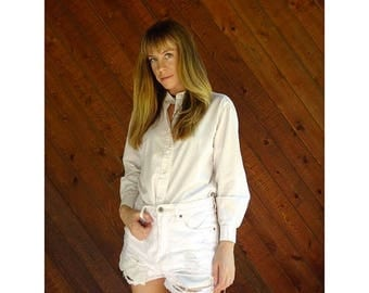 20% off SUMMER SALE. . . Crisp White Cotton Button Down - Vintage 90s - S
