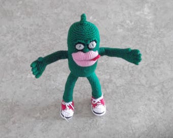"""Bonnie's Crochet Cotton Thread Item  5"""" Tall Mr. Pickle Doll w/Fern Green Eyes Big Pink Lips Flicked Red Tongue Red/White Sneakers Not A Toy"""