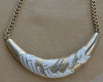 "Cream Enamel, Rhinestone Necklace, Gold tone, 18"", Vintage (F8)"